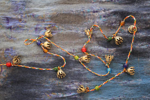 Bell string with beads (medium - 17mm)